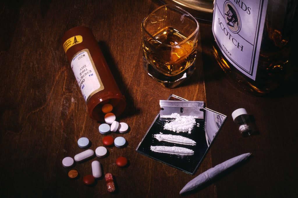 Resultado de imagem para aos usuários de álcool e outras drogas